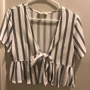 STRIPED BABYDOLL TIE FRONT TOP